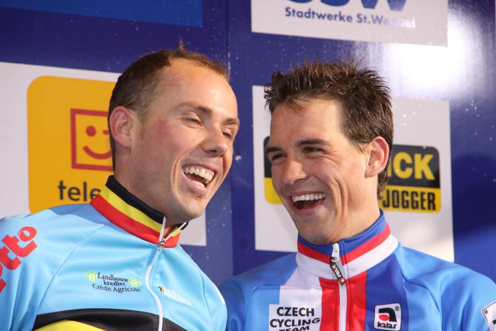 Takto se Sven Nijs se Zdeňkem Štybarem radovali na světovém šampionátu v Sankt Wendelu v roce 2011.
