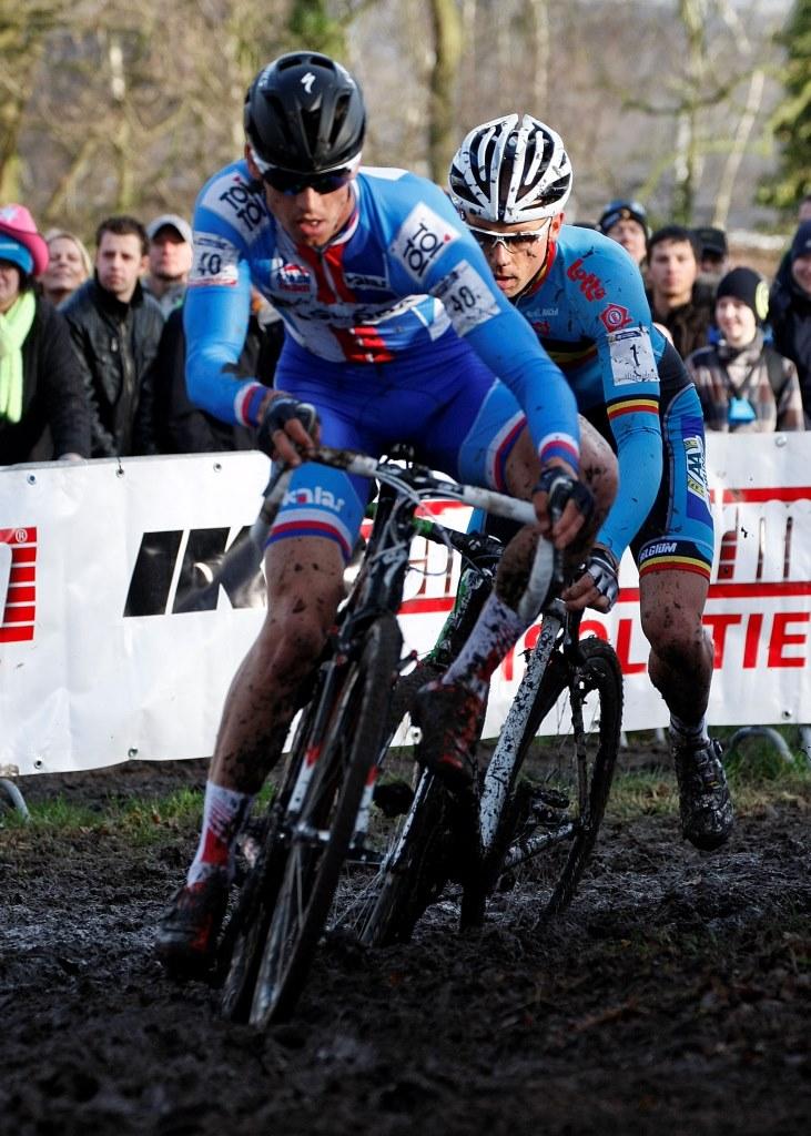 Atraktivitu cyklokrosu zvyšují souboje, jaké v Hoogerheide předváděli Štybar s Nijsem. Foto: Patrick Verhoest.