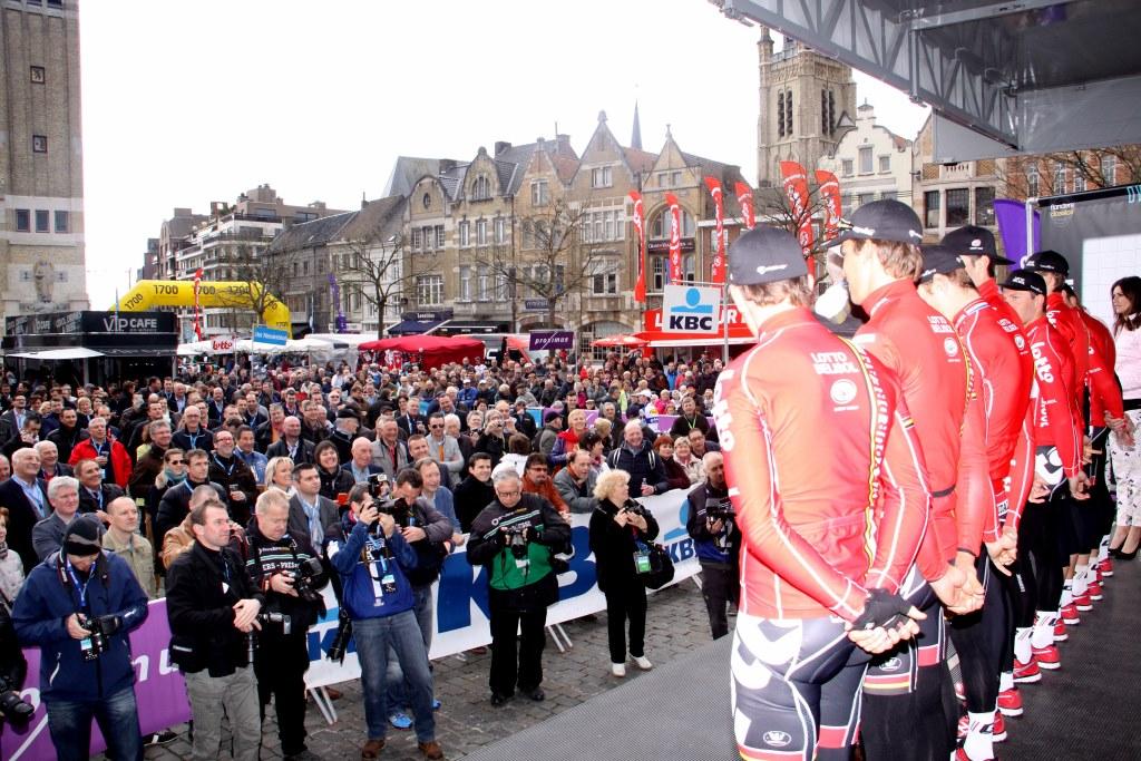 Dwars door Vlaanderen start.