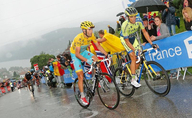 Nibali a Contador.