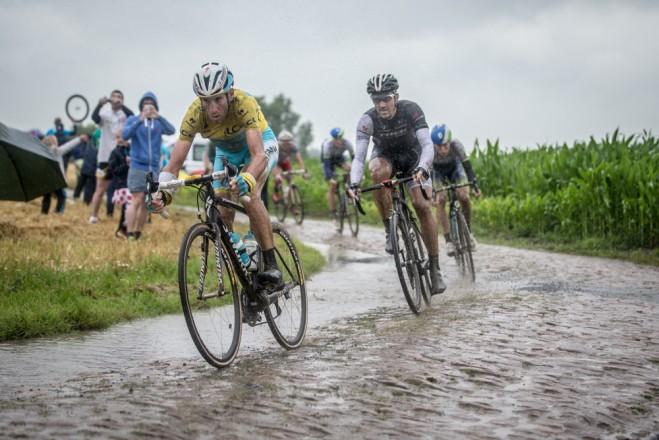 Nibali a Cancellara.