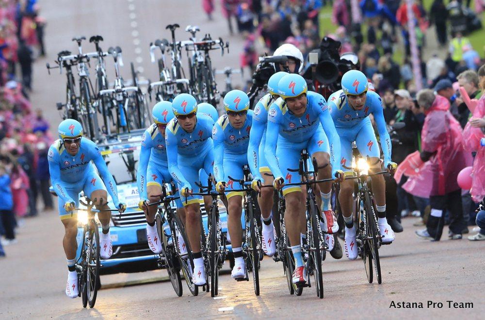 Astana při časovce.