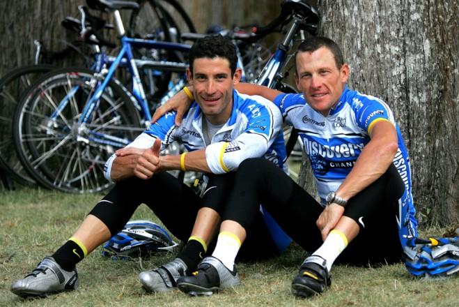 George Hincapie a Lance Armstrong.