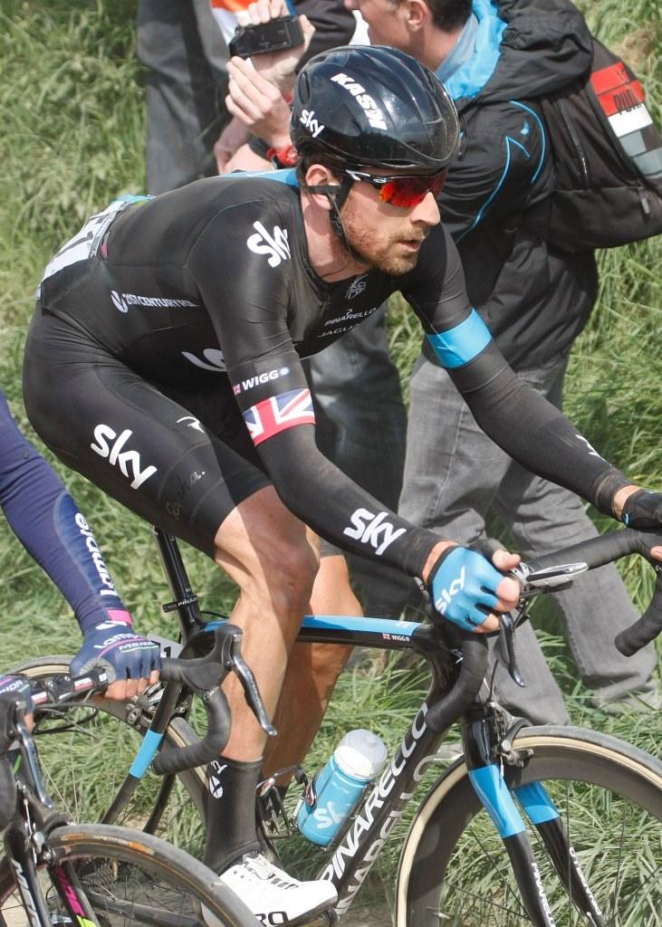 Wiggins na Paříž-Roubaix.