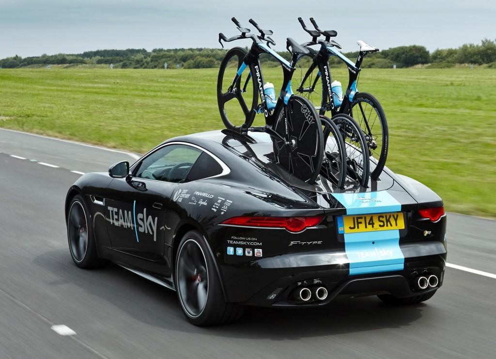 Jaguar F-Type týmu Sky.