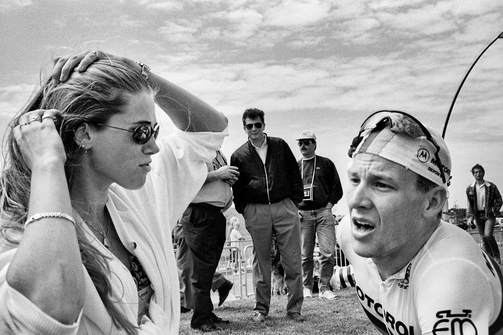 Armstrong s přítelkyní Danielle Overgaagovou.