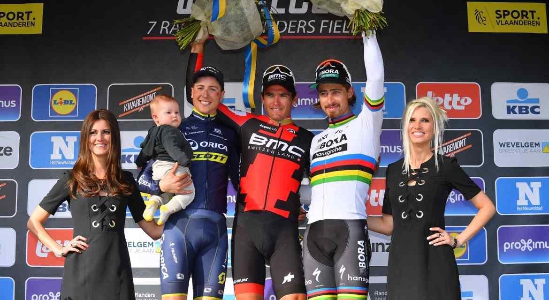 Stupně vítězů po klasice Gent-Wevelgem 2017.