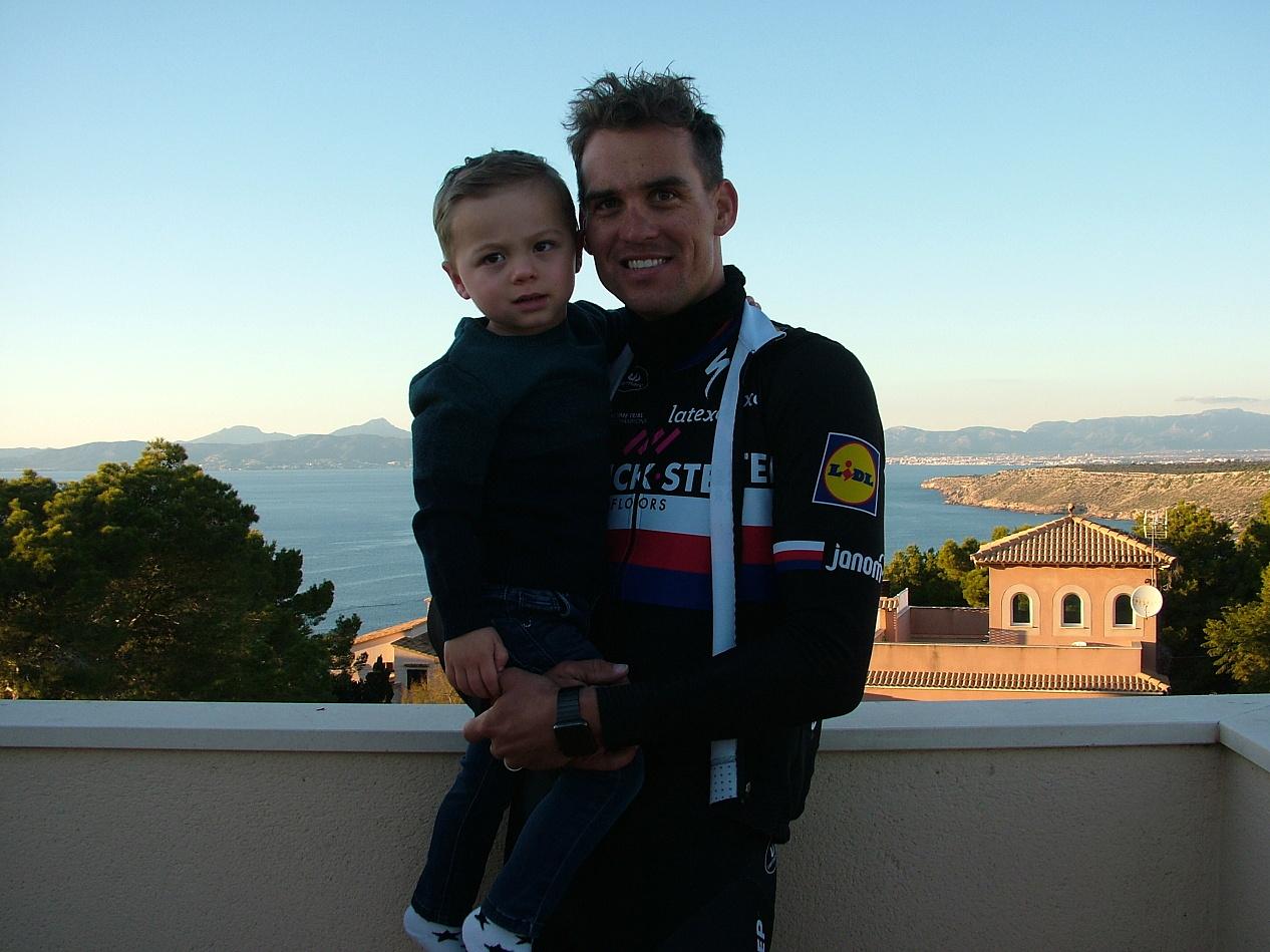 Zdeněk se synem Lewisem.