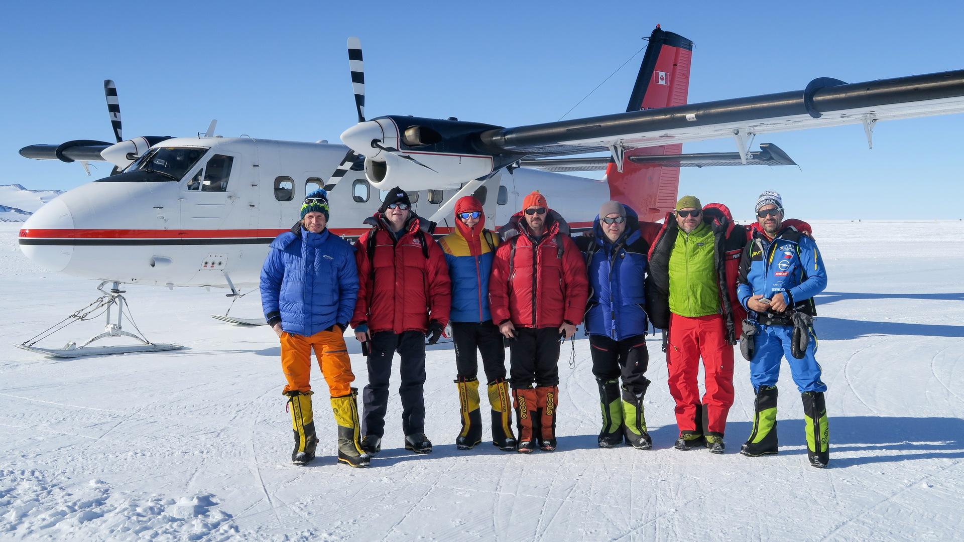 Celá sestava na Mount Vinson.