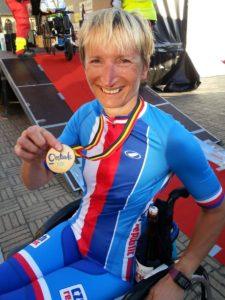 Kateřina Antošová s bronzovou medailí.